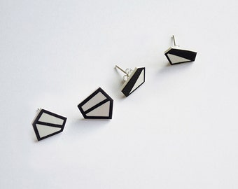 TanTan earrings Pentagon