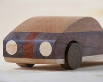 Wood car: handcrafted Coupé-inspired wooden toy