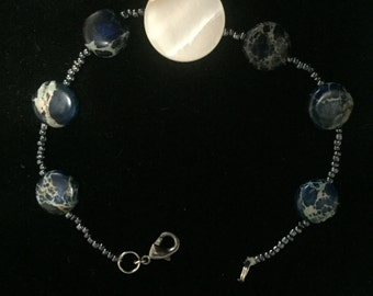 Moother of pearl and jasper bracelet