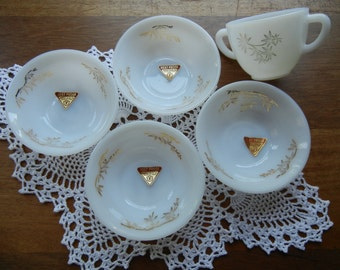Four Federal Golden Glory Berry Bowls and Sugar