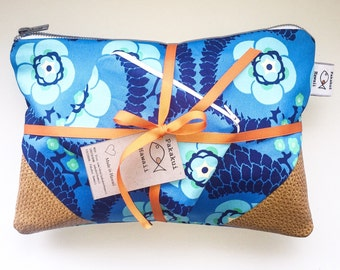 Made in Hawaii Personalized Clutch with Detachable wrist strap - Kamuela Design
