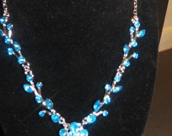 Blue flower necklace earring set