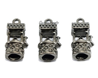 5 pieces - 3D Wishing Well, Lucky Charms Pendant Findings Gunmetal Black CGB-086-SRR.3