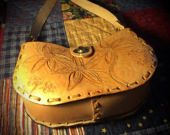 Small Hand-tooled Leather Purse with Original Floral Design