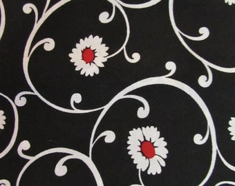 "35"" White Flowers Black Background Fabric 312"