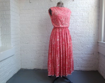 vintage 60s pink and white graphic floral print cinched waist dress, size xs