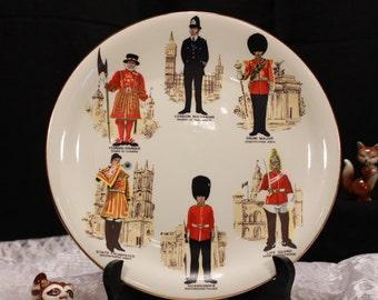 Vintage England Souvenir Display Plate. UK