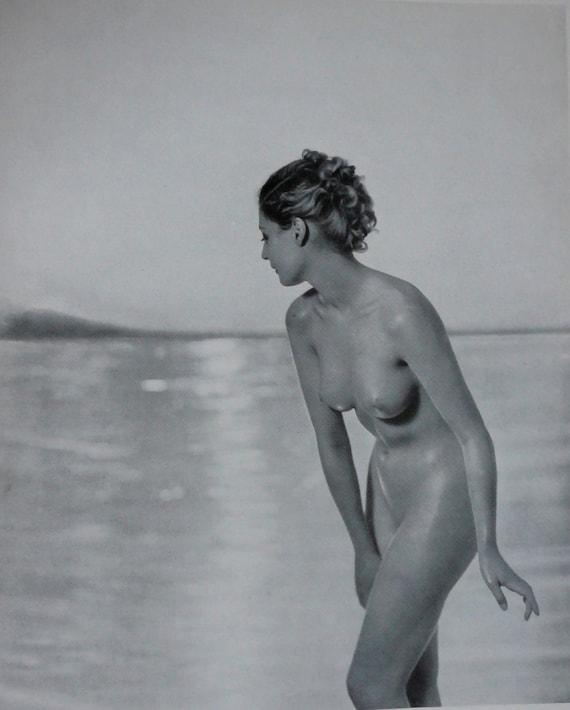 """années 1920 ère nue étude-""""On the Beach"""" - noir & blanc Image - plusieurs tailles - Sexy sensuel érotique classique [730-414]"""