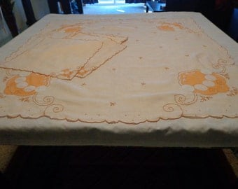 Vintage Apricot Tablecloth with Napkins