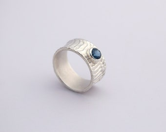 SEPIA Ring with Gemstone