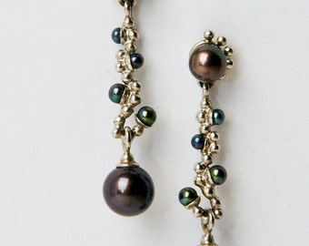 Earrings with pearls/gold earrings with black pearls/