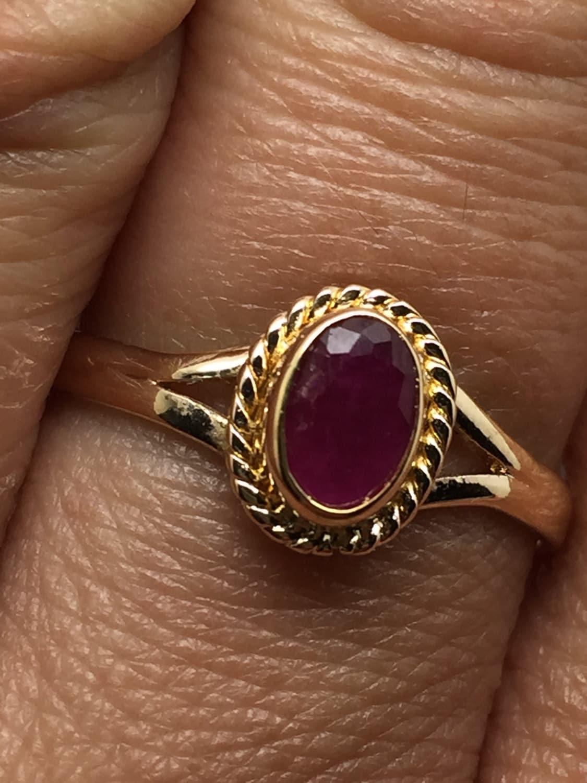vergoldete goldring mit rubin stein vintage look zarte ring. Black Bedroom Furniture Sets. Home Design Ideas