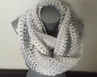 Soft Chunky Crochet Infinity Scarf / White Infinity Scarf / Grey / Infinity Scarf / Women's Scarf / Crochet Infinity Scarf / Chunky / Scarf