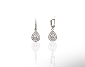 Small Ottoman Stone Earring With Crystals