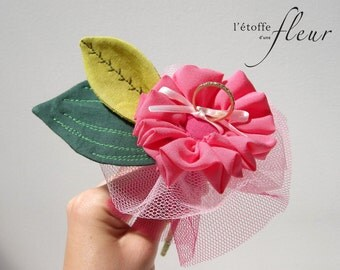 Door alliance pink and green fabric flower with tulle