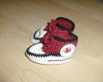 Crochet baby shoes new!