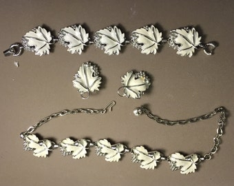 VINTAGE PARURE Sarah Coventry with silver and white maple leaves