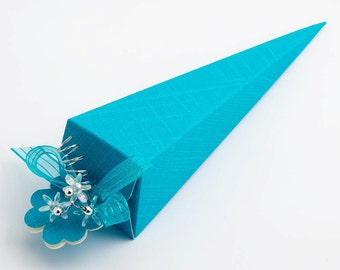 10 Turquoise Favour Cones in Silk Finish