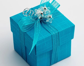 10 Turquoise Favour Boxes in Silk Finish