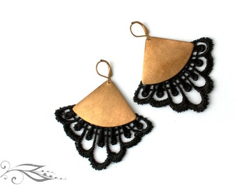 Baroque fan - earrings with tip