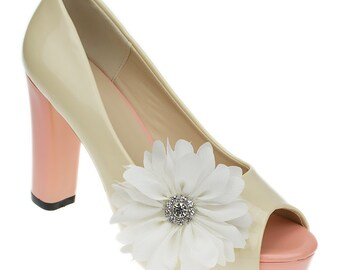 Flora White Shoe Clips