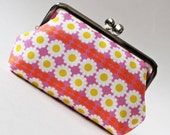 Kiss lock frame purse - retro daisies on pink white flowers yellow pink floral daisy 1960s clasp purse frame pouch