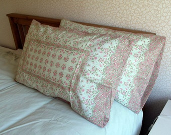 Vintage Pair of Pillowcases - Ditsy Pink Flowers - Pristine Condition - As New