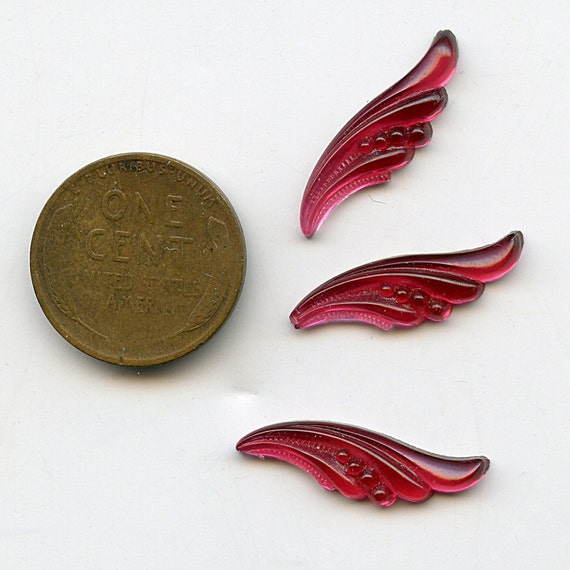 Vintage Glass ANGEL WINGS 3 Ruby Red Flat Back 22mm Molded Pattern  Loverly 1331