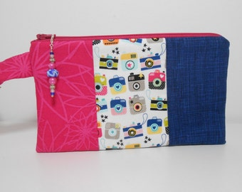 Wristlet with Beaded Zipper Pull,  Snapshots in Navy and Hot Pink