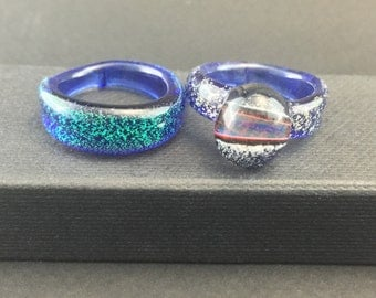 Borosilicate Glass Rings Dichroic Sparkles Lot of 2 Sz. 6 1/2 -Dan Rushin (5)
