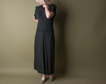 JEAN MUIR black jersey dress / 70s slinky black dress / military / s / 081d