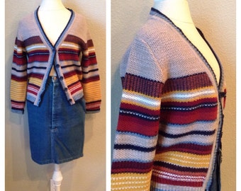 Vintage 70s striped boho cardigan / street fashion / fall trends / winter sweater