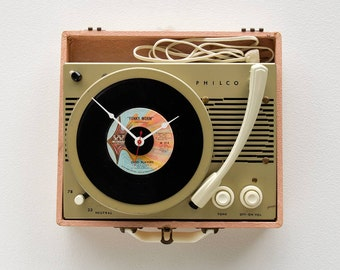 Recycled Record Player Wall Clock