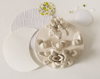 floral medallion - wall decor in ceramic