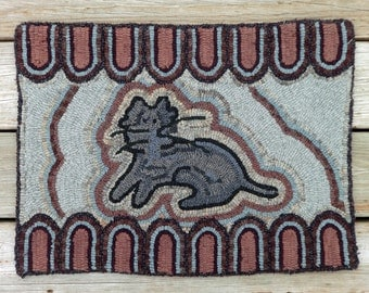Folk Art Hand Hooked Cat Rug - Primitive Rug Hooking with Hand dyed Wool (Free Shipping)