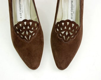 90s Vintage Victorian Chestnut Brown Suede Leather Lattice Cut Out Pumps / Size US 6
