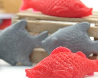 Dollhouse Fish - Mixed Set Red and Gray miniature fish craft vintage fish figurine  - IV3-2551