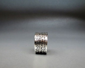 Bubbles Spinner Ring