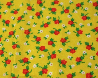 "SALE vintage 70s cotton fabric, featuring great mod floral print, 45.5"" x 27"""
