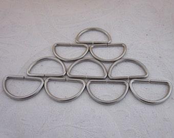 10 Medium Large Silver Tone D Rings