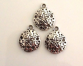 25 Sand Dollar Beach Charms / scrapbook / jewelry charm - Antique Silver - SC61#GY