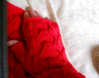 Lovely lacy red  ladies fingerless gloves lacy red mittens