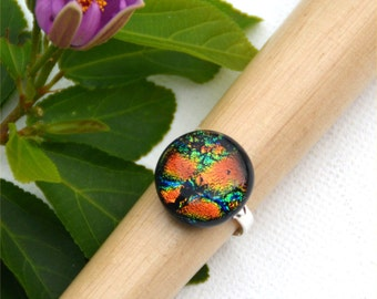 057 Fused dichroic glass ring, adjustable, silver plated, round, sparkling, green, orange, blue, yellow