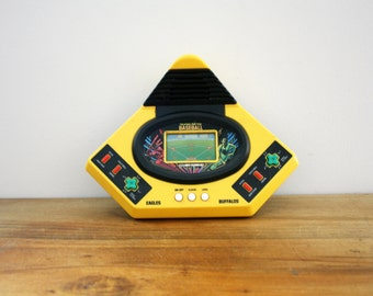 vintage 80s V Tech Talking Play Baseball Table Top Hand Held Video Game 1986