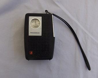 Vintage 1960's PANASONIC B-1077 AM Tranistor Radio, Working