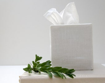 white linen tissue cover