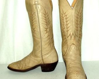 Vintage Distressed Nocona cowboy boots mens size 8 D / womens 9.5 cream western wear