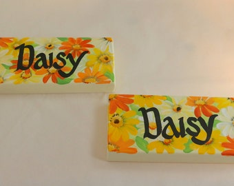 Daisy signs , Special Order , Handmade , Hand Painted