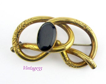 Brooch Victorian Knot Black glass gold plate