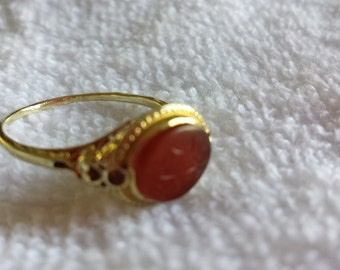 Vintage 14k yellow gold and amber ring
